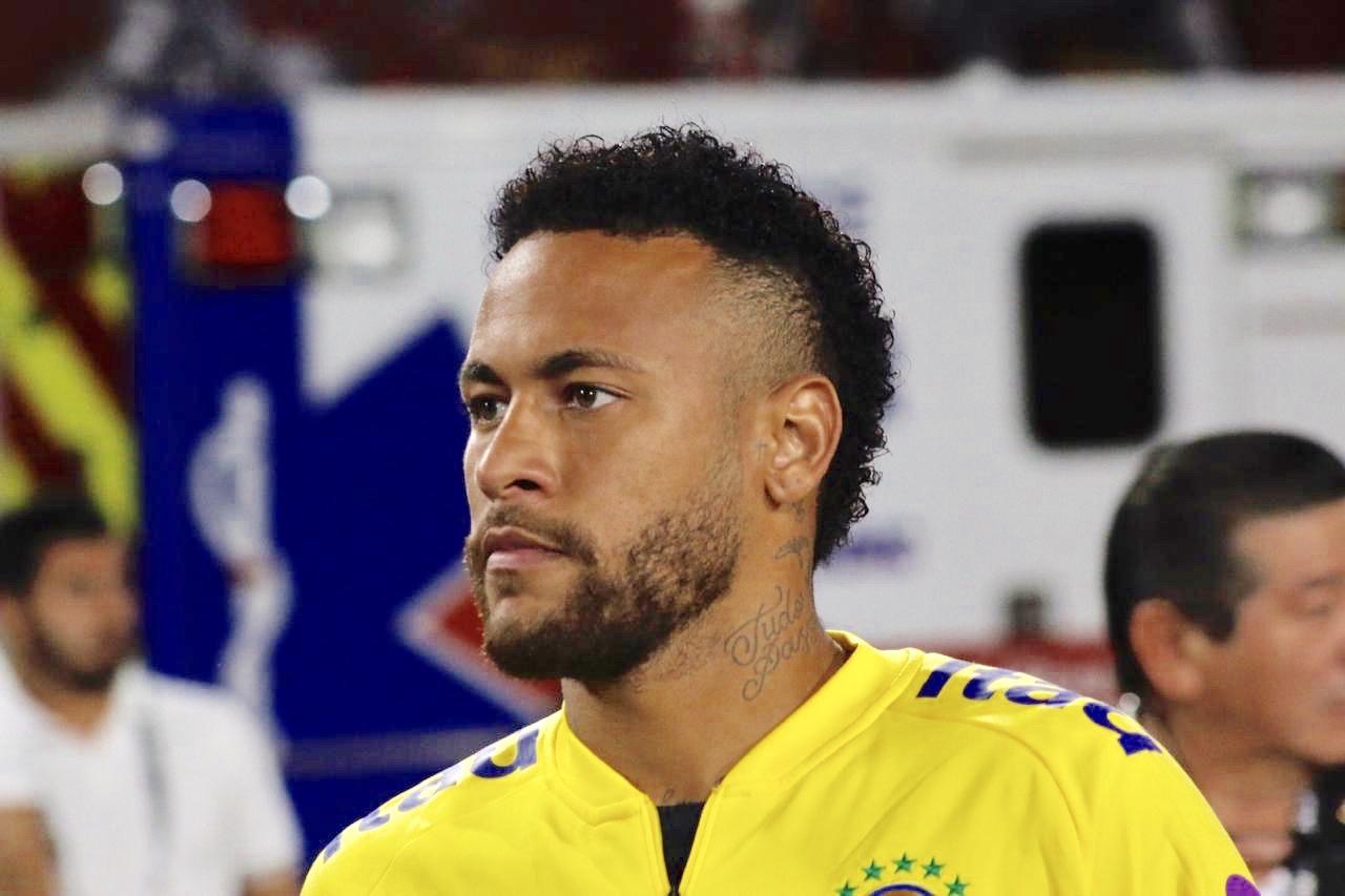 Neymar renovó con PSG hasta el 2025!!!