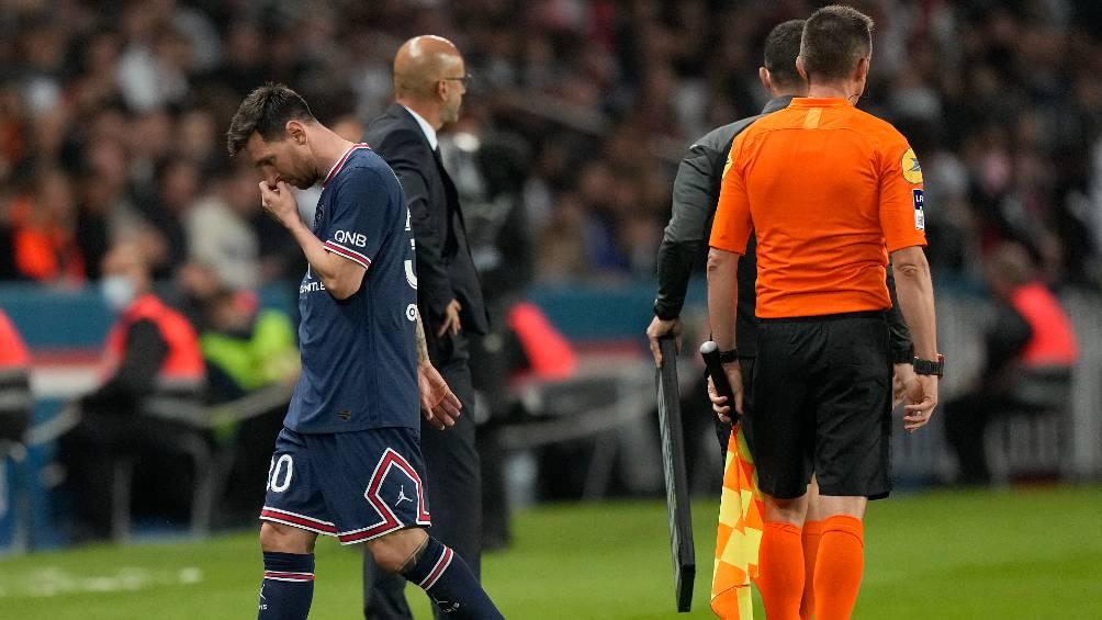 PSG gana pero deja muchas dudas con Messi